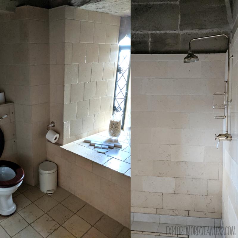 bathroom warwick castle hotel room